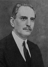 Adrián Beccar Varela. Titular de la Asociación Amateurs. Otro hombre nacido en cuna oligárquica.
