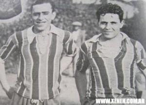 Camiseta tricolor velezana en la gira americana de 1930/31. En la foto, junto al Marqués Fernando Paternoster.