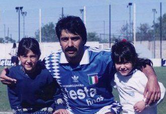 Año 1996. El ansiado título de campeón. Con la camiseta del Deportivo Italiano. Tenía 38 años.