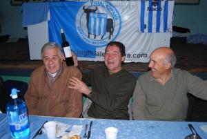Jaime Martinoli, Nelson Chabay y Juan Carlos Rulli, divirtiéndose en una reunión de la Filial España de Racing.