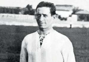 El rosarino Julio Libonatti fue el autor del gol en la final ante Uruguay. Un mito de su tiempo. Fue el primer futbolista nacional transferido al Calcio italiano.