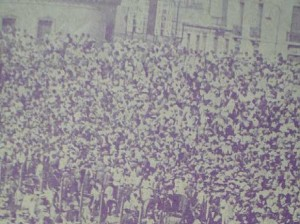 Las tribunas repletas. El fútbol era un enorme fenómeno de masas en los años treinta del siglo pasado. En 1934 seis clubes fueron duramente castigados por no generar los ingresos necesarios.