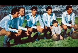La enorme delantera del equipo campeón 1961: Oreste Corbatta, Juan José Pizutti, Pedro Mansilla, Rubén Sosa y Raul Belén