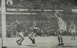 La noche que Aldosivi hizo historia en la Bombonera. Nacional 1975. Victoria 2 a 1 con un par de goles de Mústico.