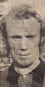 Norberto Eresuma. Pelirrojo. Una llamarada de gol. Goleador del Nacional 1976 con 12 conquistas. Un mito marplatense.