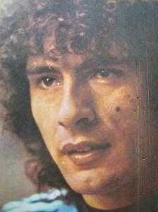 José Daniel Valencia. El Rana. El compadre de Maradona en la selección. Un jugador de dibujos animados. Crack en el Talleres de los años setenta.