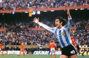 La imagen icónica de Mario Kempes. Figura del fútbol argentino. Nacido en Bell Ville, Córdoba.