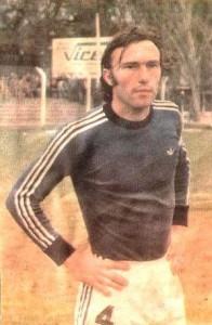 Hugo Mémoli. Un puntal defensivo de Independiente Rivadavia. Figura en los viejos nacionales.