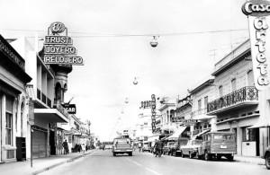 Calle Saenz Peña. Centro de Junín. Año 1982.