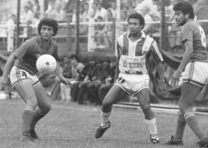 El negro Custodio con la 10 de San Martín de Tucumán. Año 1990. El único portugués en nuestro fútbol.