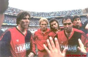 Martes 9 de junio de 1991. Sobre el barrial de la Bombonera, Newells derrotó por penales a Boca quedándose con el título 1990/91.