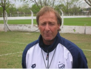 Marcelo Firpo. Una vida ligada al Quilmes Atlético Club. Un defensor que jugó mucho - y bien - a comienzos de los ochentas.