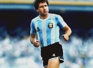 Oscar Garré. Campeón del mundo 1986. Único de los 43 futbolistas nacido en el populoso partido de La Matanza.