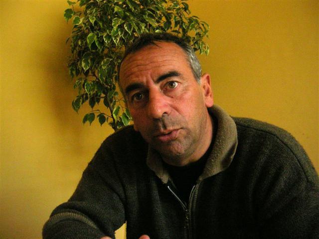 Ricardo Mazariche nos recibió en su casa de Agronomía. Una charla recordando otro fútbol. Un ascenso con otras características.