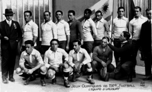 """En 1924 nació la leyenda """"Celeste"""". ¿Qué hubiera pasado si las disputas internas de nuestro fútbol nos hubiera permitido viajar?"""